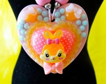 Retro Bunny Resin Heart Cameo Pendant Beaded Necklace