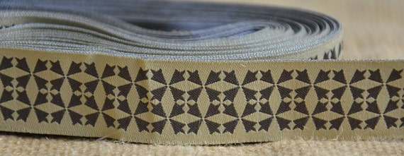"""SALE: 5 Yards New Hampshire Jacquard Ribbon  - Sewing Gift Wrapping Tan & Brown/Taupe Trim  1"""""""