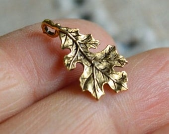 Thanksgiving Oak Leaf Charm Antiqued Pewter Fall Holiday 19.5mm