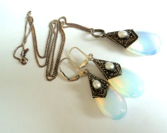 Sterling Pearl & Opalescent Glass... Necklace and Earrings Set
