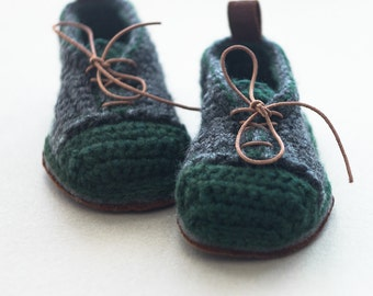 Babies House Sneakers in dark gray and green - Boot-laced Booties Made for Walking - Babies U.S. sizes 3-7 EUR 16-24