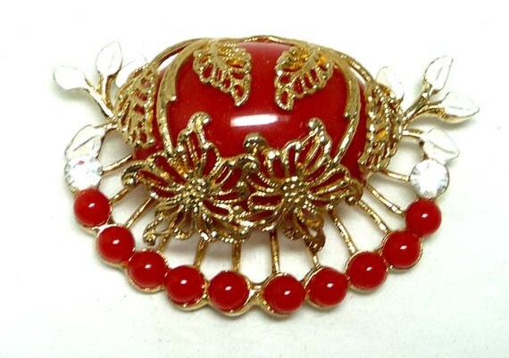 Red & White Floral Brooch w beads - Vintage Gold Tone Leaves