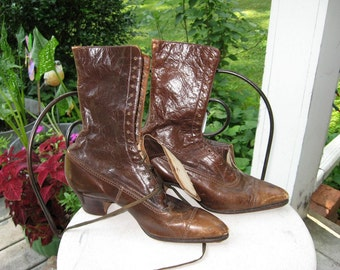 Antique Granny Boots / Brown Leather Granny Boots / Old Granny Boots / Great for Display
