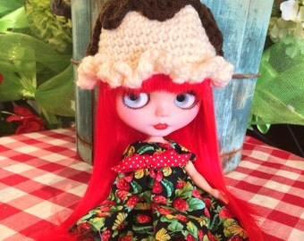 Ice Cream Hot Fudge Sundae Hat for Blythe Doll