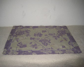 Vintage place mats, set of six, lavender and purple, linen blend by Xochi