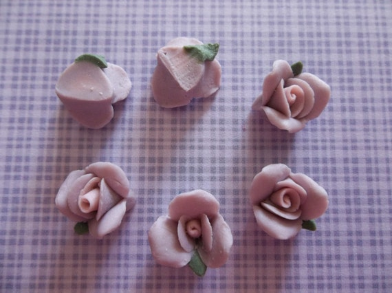 11mm Purple Ceramic Roses Flower Cameos Green Leaf