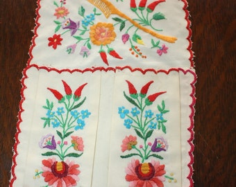 Matyo Embroidery Hungary Vintage Comb Brush Holder Embroidered