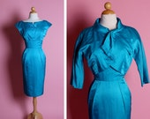 STUNNING Jewel Toned 1950's Perfect Glowing Turquoise Silk Hourglass Cocktail Dress w/ Matching Cropped Bolero Detailed Jacket - Size XS