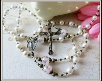 Girl's Catholic Baptism Rosary Beads in White Swarovski Pearl & Lampwork, Christening Gift, Baptism Gift for Goddaughter