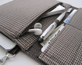 Tablet Keeper in Dapper for iPad, iPad Mini, iPad Air, Nexus 7, Kindle Fire, Nook and more