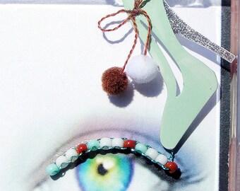 Snow Shoes Eyelash Jewelry - false eyelashes with mint green stilettos