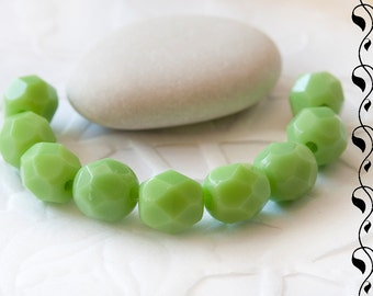 20 Czech Fire Polished Beads 6 mm Light Green