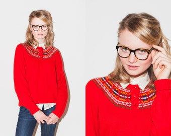 Vintage Red Ski Sweater with Multicolor Pattern Collar M