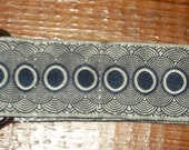 "Women's 1 1/2"" Black and Grey Circular Design Jacquard Ribbon Belt"