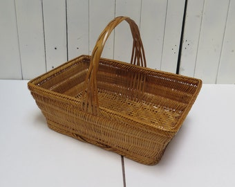 Vintage Woven Wicker Basket with Handle Golden Brown Bamboo
