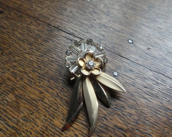 Rhinestone Brooch, Circle with Feathers