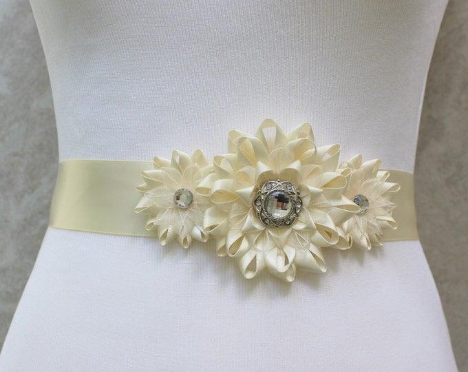 Ivory Dress Sash, Ivory Bridal Sash, Ivory Ribbon Belt, Ivory Ribbon Sash, Cream Sash, Bridesmaid Sash, Ribbon Flower Sash, Wedding Sash