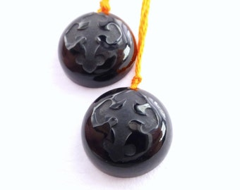 ONYX intaglio. Natural Intaglio BEaDS. Gothic Cross. Carved. Round. DRILLED. 2 pc. 17.30 cts. 15 mm  (Ox294)
