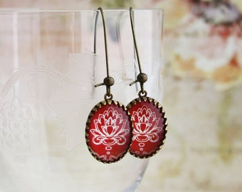 Oval Red Damask Earrings - Brass and Glass