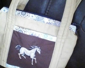 purse with lots of pockets and horse embrodery