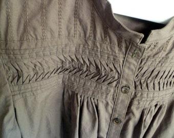 smocked bodice Top / Blouse, size Medium Petite, Cotton
