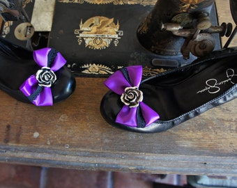 Olivia Paige -Rockabilly tattoo Pin up Rose lace  shoe Clips