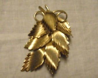 Brooch Goldtone Metal Spray of Leaves Pin Vintage