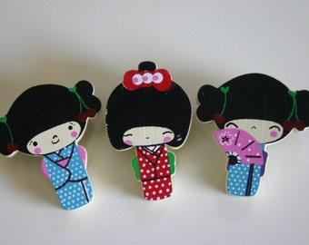 kimono chan set - 3 wooden Kokeshi doll pin charm (10% OFF)
