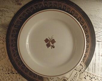 Vintage Ironstone Alfred Meakin Plate / Tea Leaf Pattern
