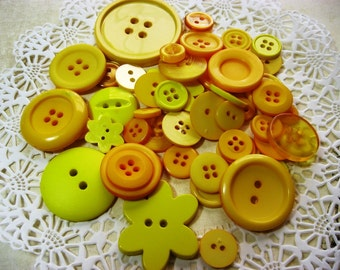 On Sale 50 Yellow Flat Back Acrylic Buttons Fun Bag for Scrapbooking Cards Mini Albums Papercrafts Jewelry Sewing DIY