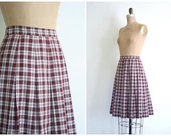 vintage 1950s ladies pleated skirt - high waisted / Bordeaux Paid - school girl / 50s - Maybro