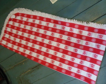 Checked Red and White Tablecloth, Long Table Length, Roosters design
