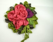 Silk Ribbon Rose – Vintage Style Ribbon Flower Pin Brooch