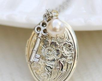 Key Charm Silver Locket,Silver Locket,Antique Style Locket,Girl Locket,Cross,Wedding Necklace,Oval Silver Locket