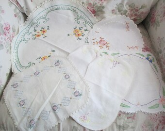 6 Pc Lot Shabby Chic Vintage White Floral Embroidered Crochet Edge Doilies Doily  K51