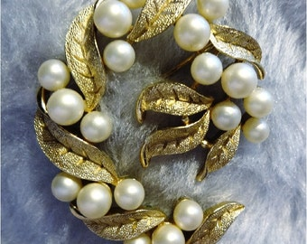 Vintage Trifari Faux Pearl and Goldtone Brooch