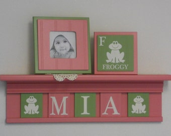Names Frog Nursery Decor, Froggy Art Wall Decor, Personalized Baby Girl Gift, PINK Shelf with Pink and Green Plates