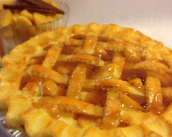 Cinnamon Apple Pie Candle-9 inches