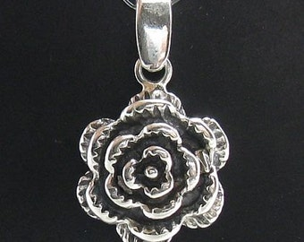 PE000708 Sterling silver pendant  solid 925 flower