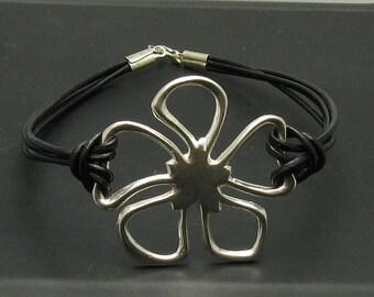 B000123 Sterling Silver Bracelet Solid 925 Flower Natural leather