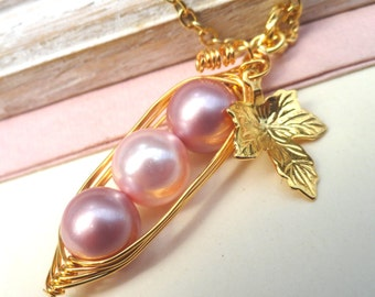 Peas In A Pod Necklace  -   Shades Of Pink