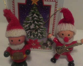 Vintage Wooden Retro Figurine Musicial Ornaments  Christmas Country Cottage Chic Victorain Children