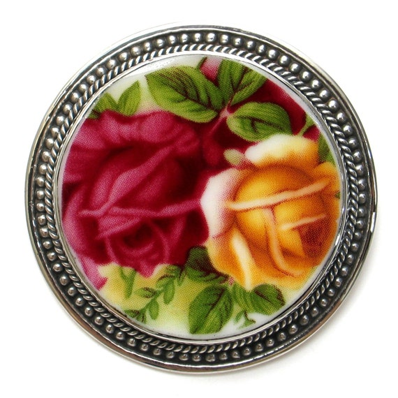 Broken China Jewelry Old Country Roses Circle Pin Brooch