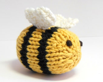Stuffed Toy, Stuffed Bee, Bumble Bee, Knit Toy Bee, Bee Nursery, Insect Nursery, Garden theme, Insect, Waldorf Bee, Bee Ornament
