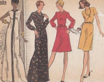 Bust 32 1/2-FACTORY FOLDED 1970'S Misses' Dress Vogue 8647 Size 10