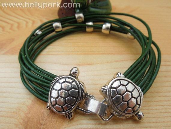 Turtle bracelet,leather bracelet,turtle cuff,green leather cuff,turtle jewelry,turtle girl bracelet,tortoise cuff,tortoise bracelet,leather