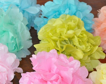 8 Tissue Poms {perfectly pastel}