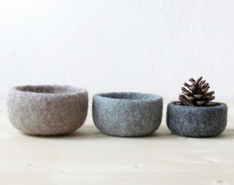 Felted wool bowls / Ombré beige to grey / Eco-friendly gift / desktop organizer / Rustic decor