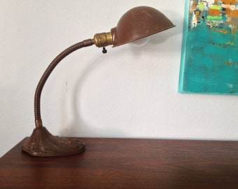 Industrial Retro Gooseneck Table Lamp