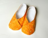SALE- Womens Kimono Slippers - House Shoes - Indoor Shoes - Footware - Orange (Apricot) Bubble Dots - Size 5